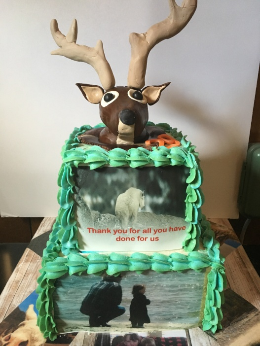 """2 tier (6""""/9"""") with fondant topper, 25-35 servings...$200"""